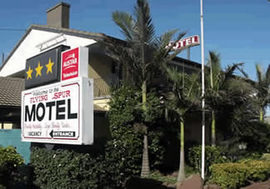 Flying Spur Motel - Tourism Caloundra