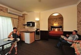 Highlander Motor Inn And Apartments - Tourism Caloundra