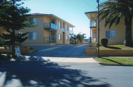 AA Madalena Court Holiday Apartments - Tourism Caloundra
