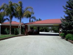 Golden Chain Border Gateway Motel - Tourism Caloundra