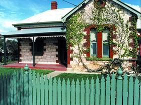 Naracoorte Cottages - Smith Street Villa - Tourism Caloundra
