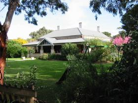 Yankalilla Bay Homestead Bed and Breakfast - Tourism Caloundra