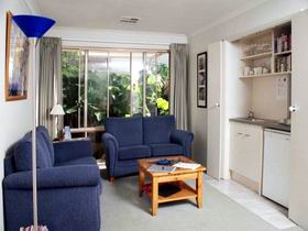 Bellevue Bed  Breakfast - Tourism Caloundra