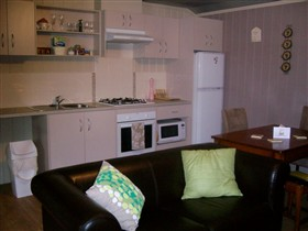 Little Para Cottage - Tourism Caloundra