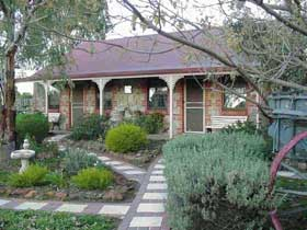 Langmeil Cottages - Tourism Caloundra