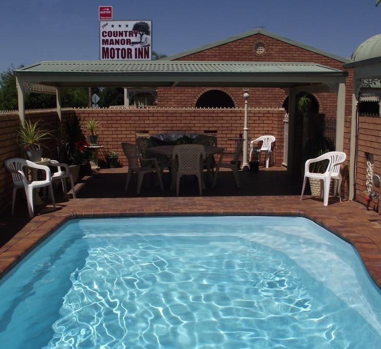 Country Manor Motor Inn - Tourism Caloundra