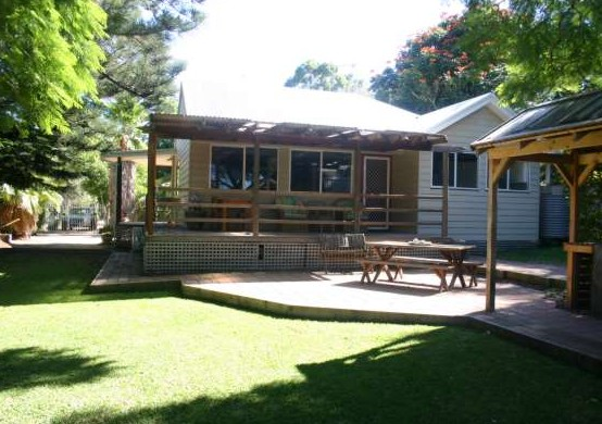 Pine Cottage - Tourism Caloundra
