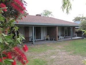 Murray Lodge Holiday Units - Tourism Caloundra