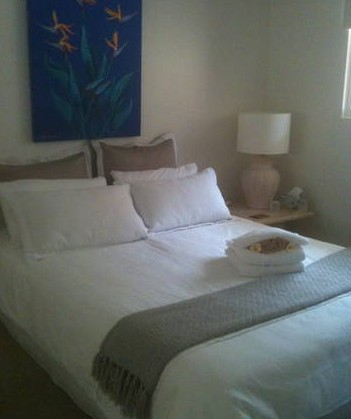 Absolute Beachfront Manly Bed and Breakfast - Tourism Caloundra