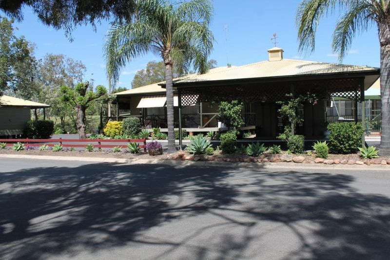 Lake Forbes Motel - Tourism Caloundra