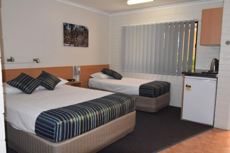 Billabong Motor Inn - Tourism Caloundra