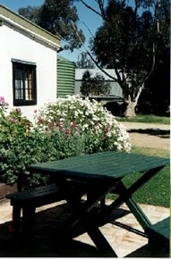 Dunalan Host Farm Cottage - Tourism Caloundra