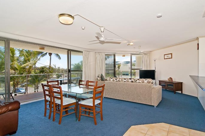 Chateau Royale Beach Resort - Tourism Caloundra