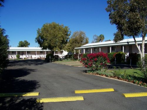 The Country Way Motor Inn - Tourism Caloundra