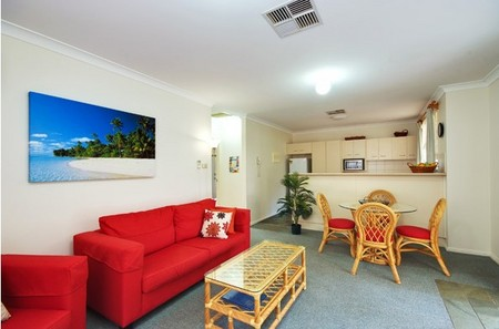 Beaches Serviced Apartments - Tourism Caloundra
