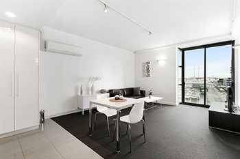 Docklands Private Collection of Apartments - Digital Harbour - Tourism Caloundra