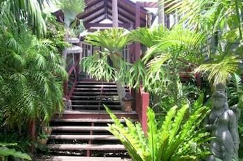 Maleny Tropical Retreat Balinese Bampb - Tourism Caloundra