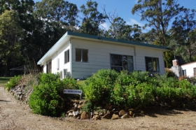 Classic Cottages S/C Accommodation - Tourism Caloundra
