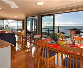 Boat Harbour Beach House - The Waterfront - Tourism Caloundra