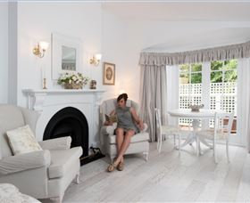 White Dove Cottage Bed and Breakfast - Tourism Caloundra