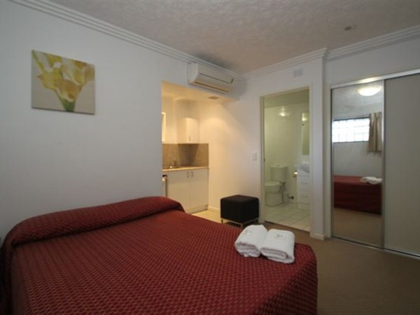 Southern Cross Motel and Serviced Apartments - Tourism Caloundra