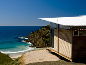 Kangaroo Beach Lodges - Tourism Caloundra