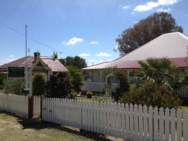 Tenterfield Luxury Historic c1895 Cottage - Tourism Caloundra