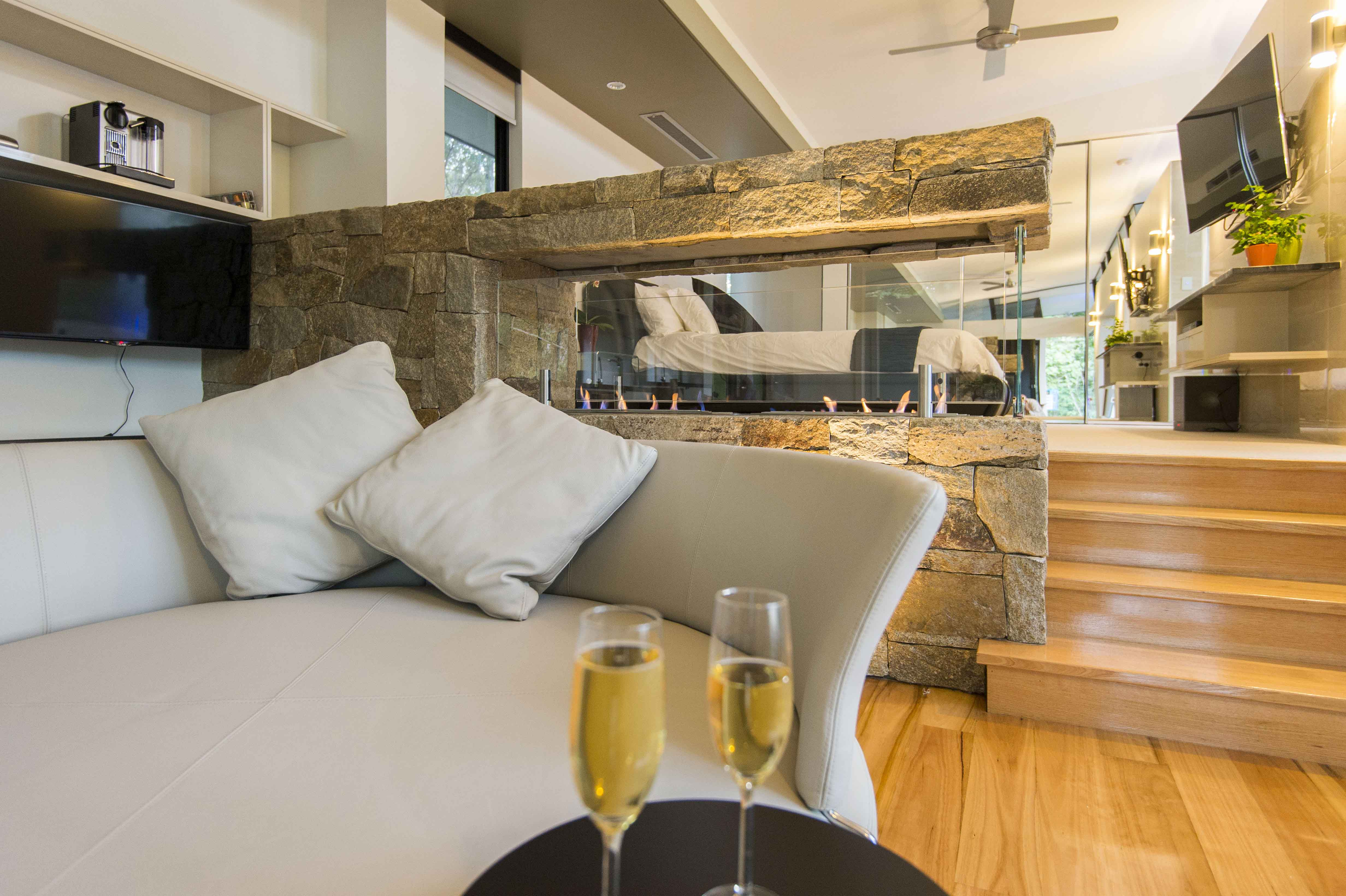 The Feathered Nest - Luxury Wildlife Retreat - Tourism Caloundra