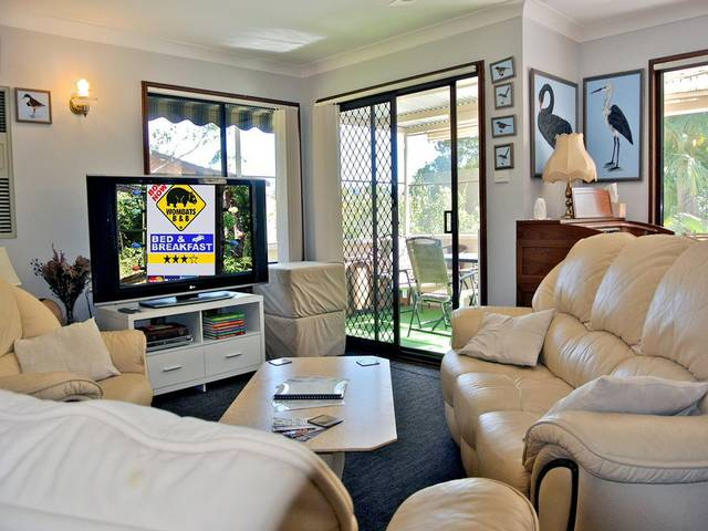 WOMBATS BB - Apartments - AAA 3.5 rated Gosford - Tourism Caloundra