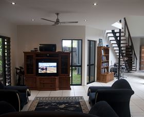 Dolphin Beach House - Tourism Caloundra
