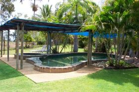 Balgal Beach Holiday Units - Tourism Caloundra