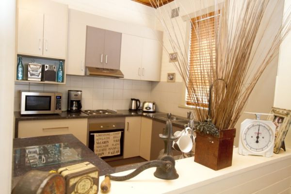 Anderl's Beach Cottage - Tourism Caloundra