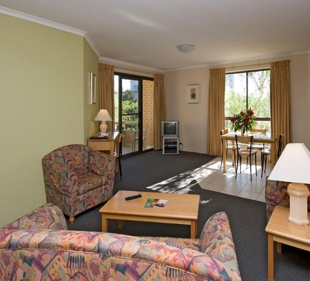 Kingston Court Serviced Apartments - Tourism Caloundra