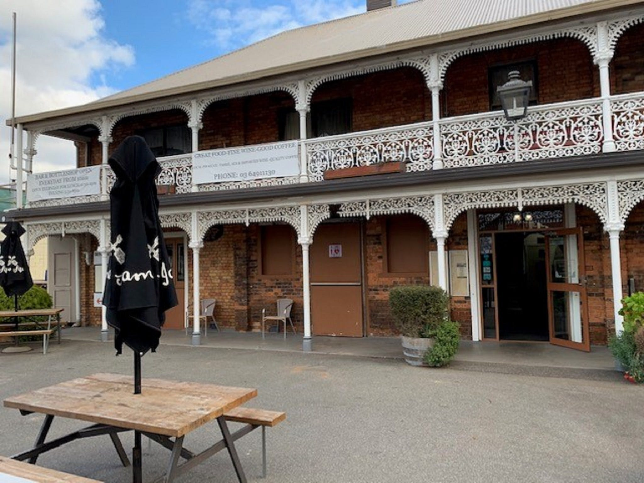 The Sheffield Hotel Tasmania - Tourism Caloundra