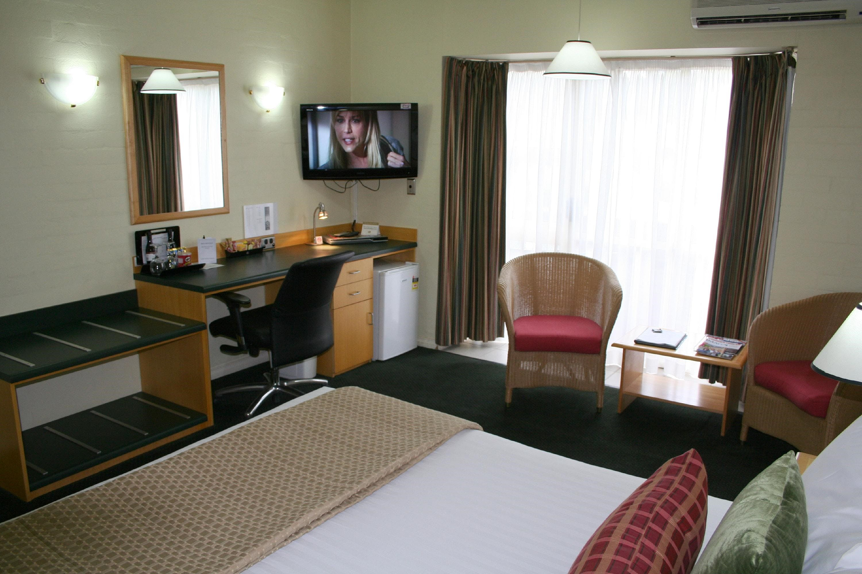 Grand Country Lodge - Tourism Caloundra