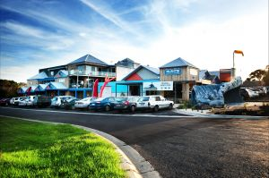 The Island Accommodation - Phillip Island YHA - Tourism Caloundra