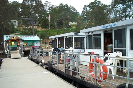 Clyde River Houseboats - Tourism Caloundra