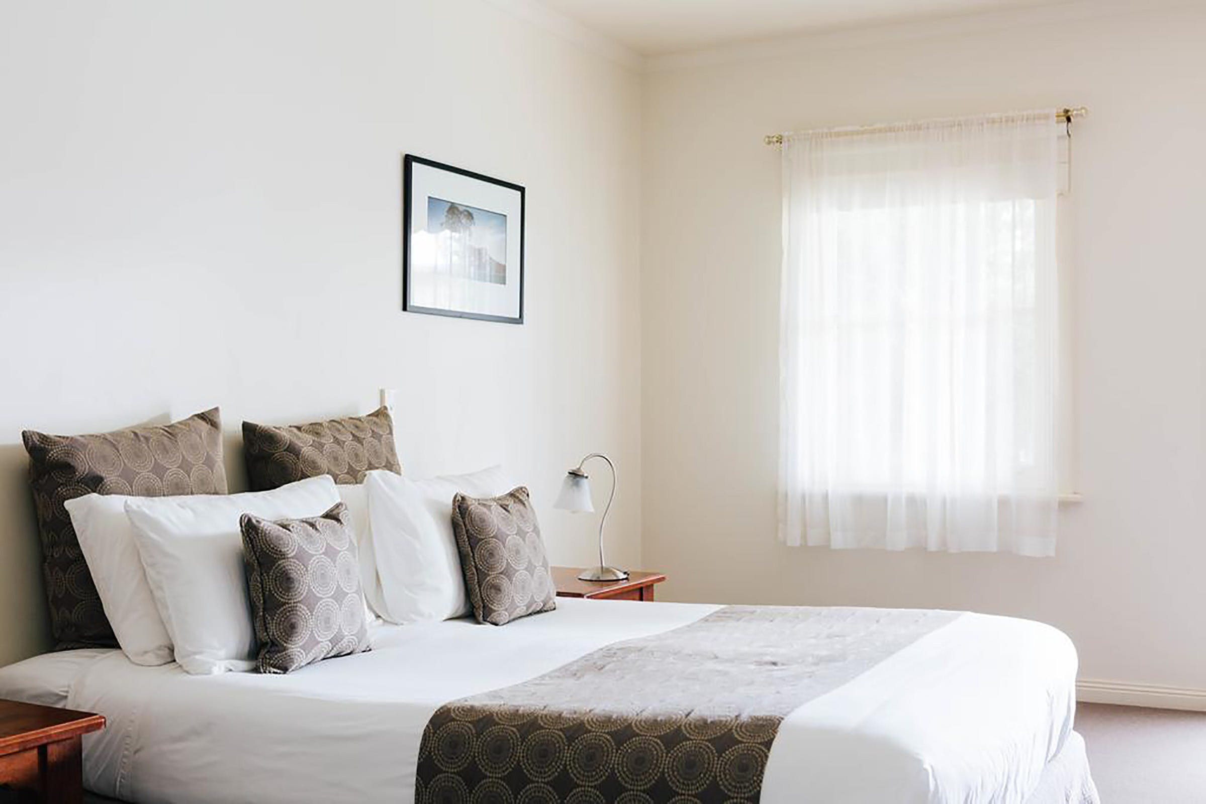 Dunkeld Studio Accommodation - Tourism Caloundra