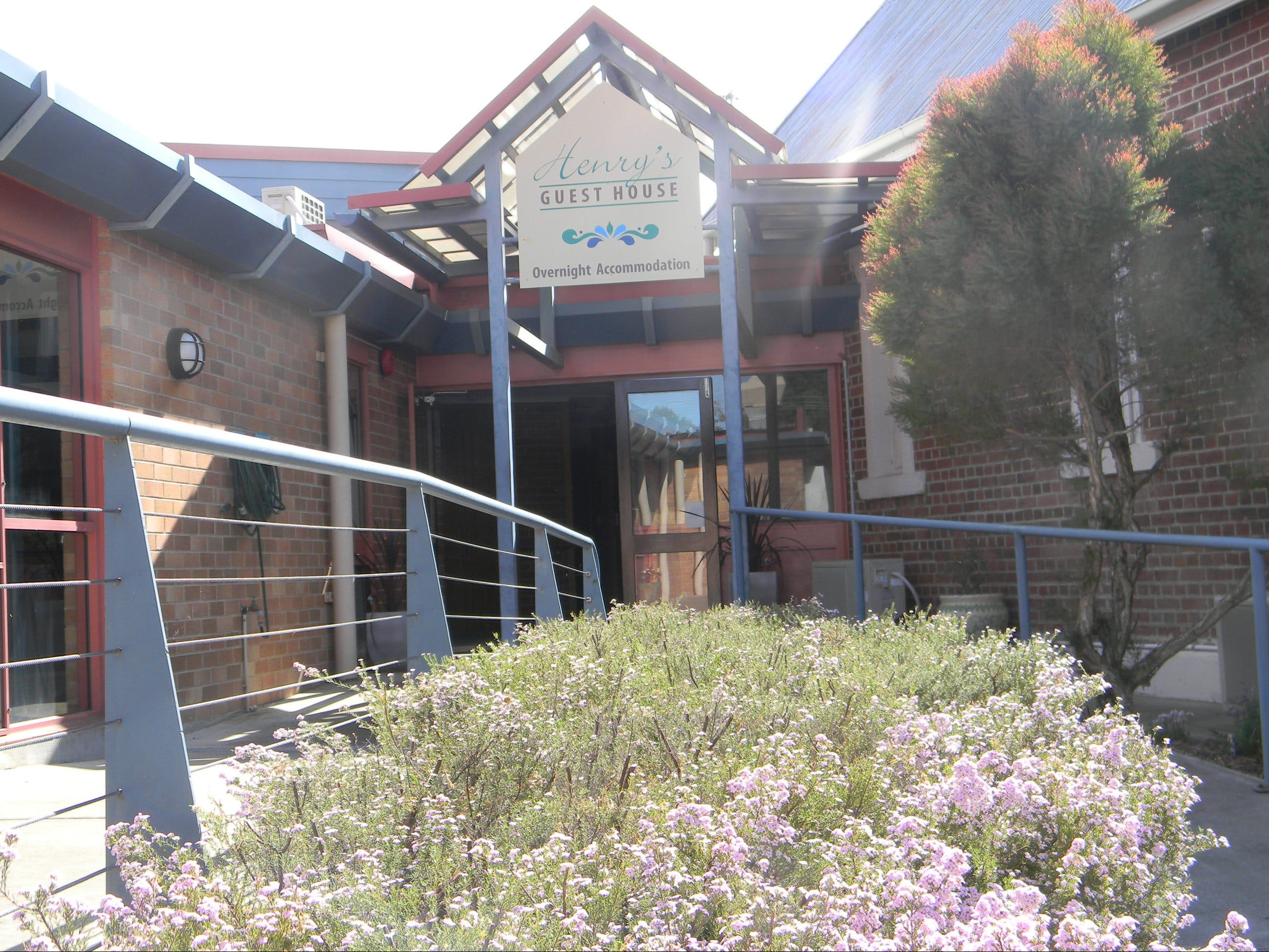 Henry's Quirindi Quality Accommodation - Tourism Caloundra