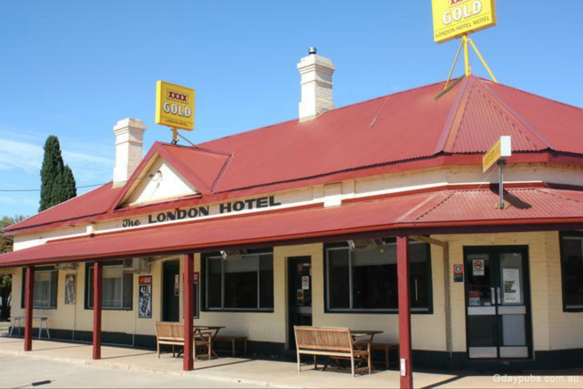 The London Hotel Motel - Tourism Caloundra