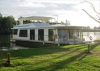 Cloud 9 Houseboats - Tourism Caloundra