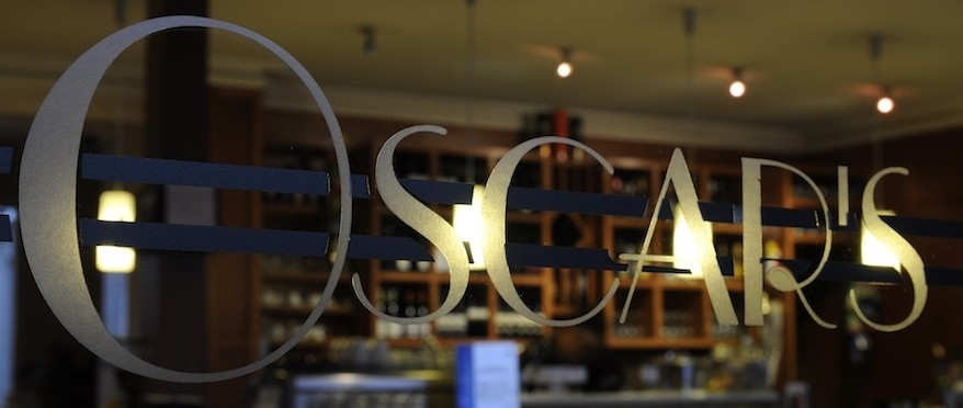 Oscar's Hotel & Cafe Bar - Tourism Caloundra