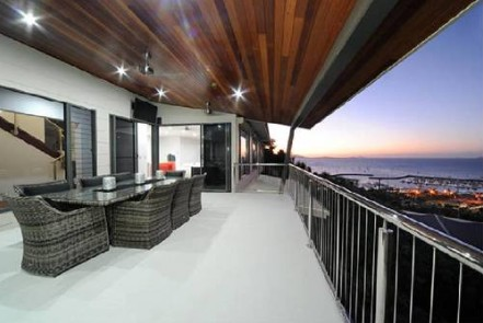 Spectacular Views Airlie Beach