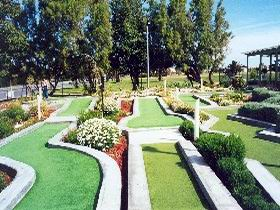 West Beach Mini Golf - Tourism Caloundra