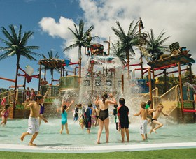 Wet 'n' Wild Water World - Tourism Caloundra