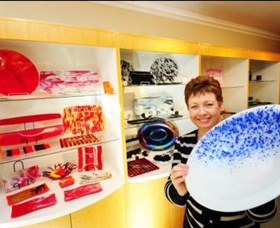 Exclusive Hot Glass Gallery - Tourism Caloundra