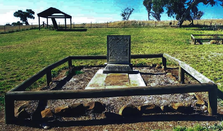 Yuranighs Aboriginal Grave Historic Site - Tourism Caloundra