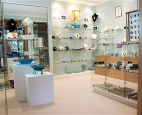 The Glass Gallery - BS Glass Art - Tourism Caloundra