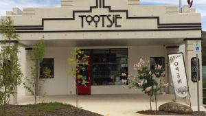 Tootsie Fine Art and Design - Tourism Caloundra