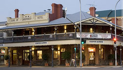Coopers Alehouse at the Earl - Tourism Caloundra